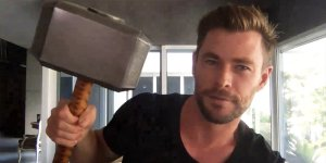 Mjolnir thor Chris Hemsworth riprese
