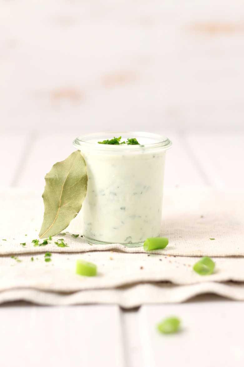 Korianderjoghurt für orientalisches Fondue