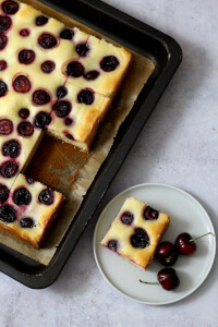 Kirsch Schmand Kuchen vom Blech   bäckerina.de