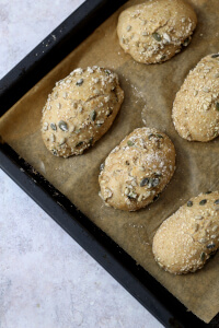 Körnerbrötchen ohne Kneten | bäckerina.de