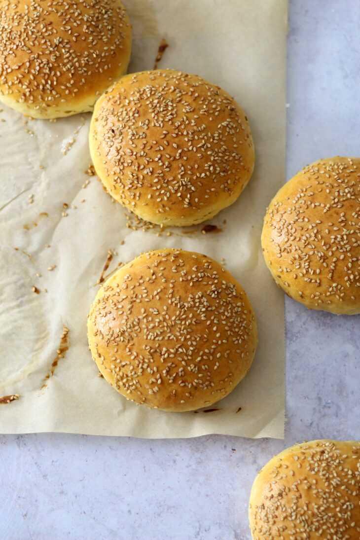 Dinkel Burgerbrötchen Rezept | bäckerina.de