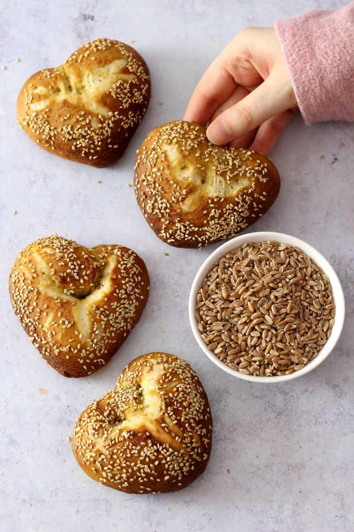 Laugenbrötchen in Herzform - Valentinstagsrezept herzhaft | bäckerina.de