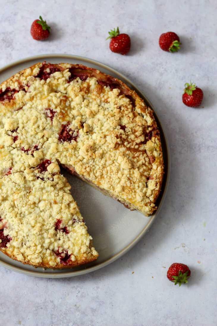 Clafoutis Rhabarber Erdbeeren   bäckerina.de