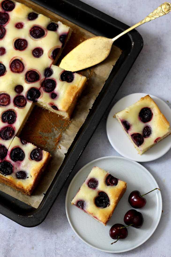 Kirsch Schmand Kuchen vom Blech | bäckerina.de
