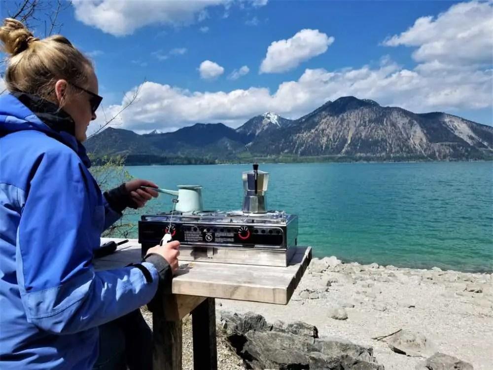 Der Walchen See in Bayern. Günstig Campen.