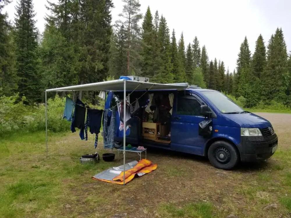 Camper Leben in Skandinavien. Aussteiger auf Tour
