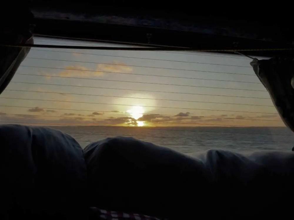 Sonnenuntergang an der Westküste Dänemarks vom Camper aus. Schlafplatz.