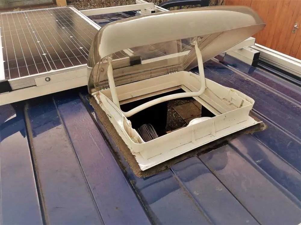 Dachluke in den Camper / Wohnmobil selber einbauen.