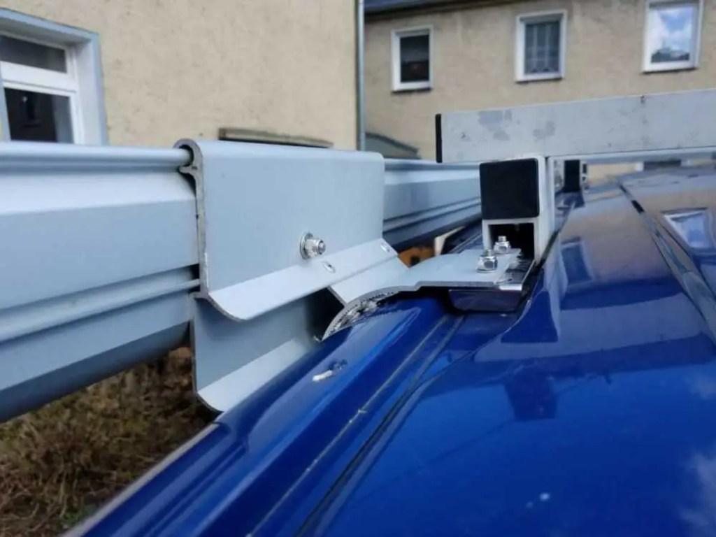 Adapter für Fiamma F35 Pro für VW Bus mit Sikaflex befestigen