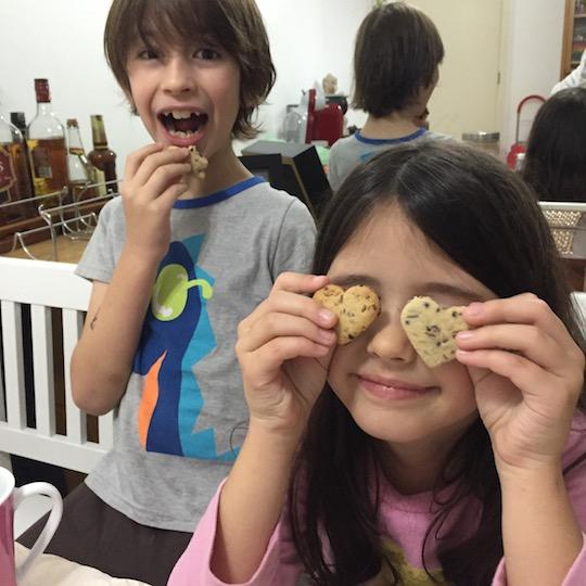 fazer biscoitos com crianças