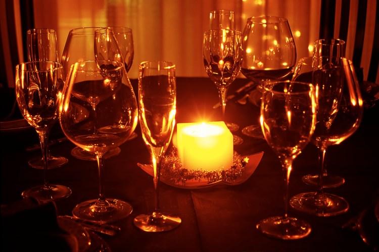candle-glow-1196273-1279x852