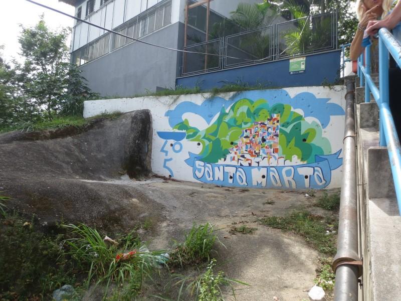 favela tour RJ_upp e marcas de tiro