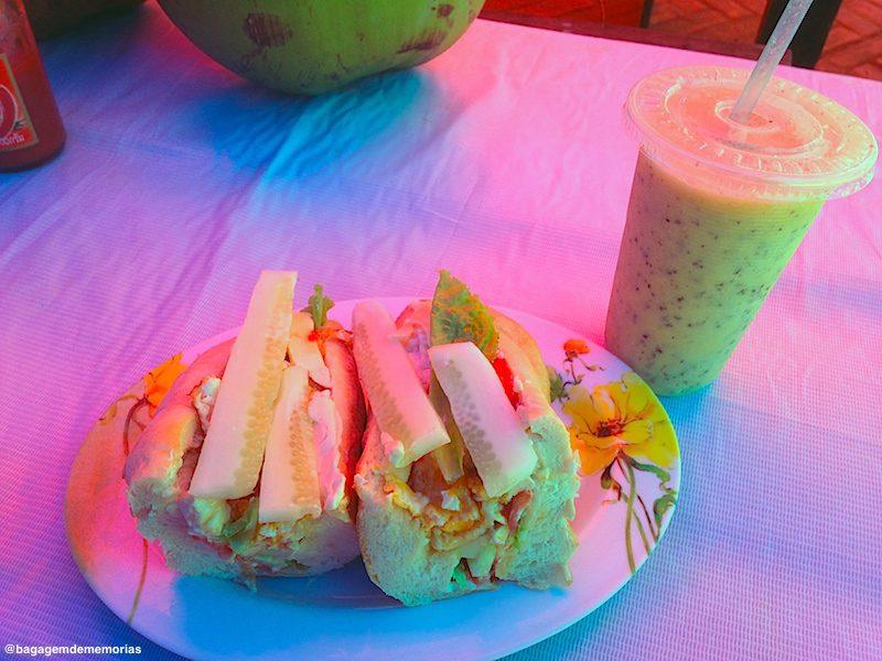 laos_baguete e fruit shake