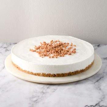 Hyldeblomstmousse kage opskrift fra Bageglad