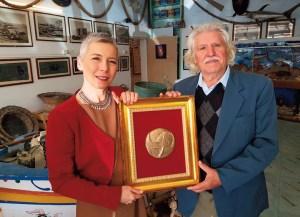 """""""Indimenticabile"""" visita di Irene Pivetti al Museo dell'acciuga"""