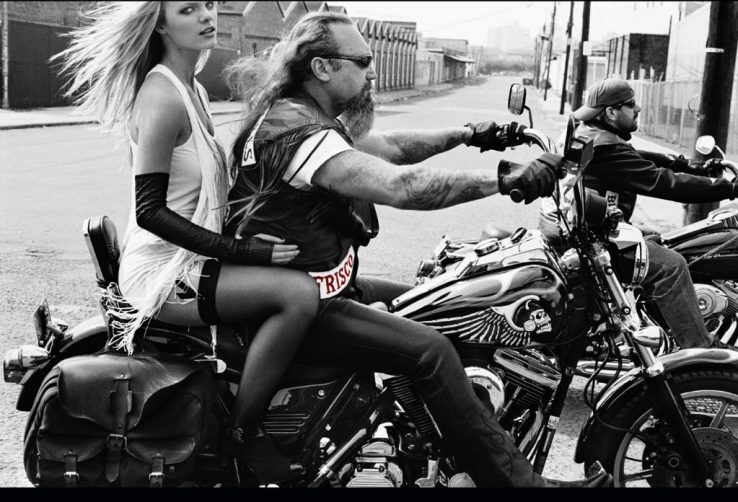 1 foto importante Brooklyn Decker and The Hells Angels