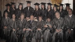 Des diplômés de l'Institut bahá'í d'enseignement supérieur (Photo de courtoisie de L'éducation n'est pas un crime)