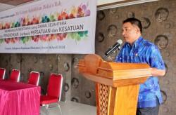 M. Nikanor Saguruk, chef adjoint du parlement local, faisant son allocution liminaire lors du séminaire.