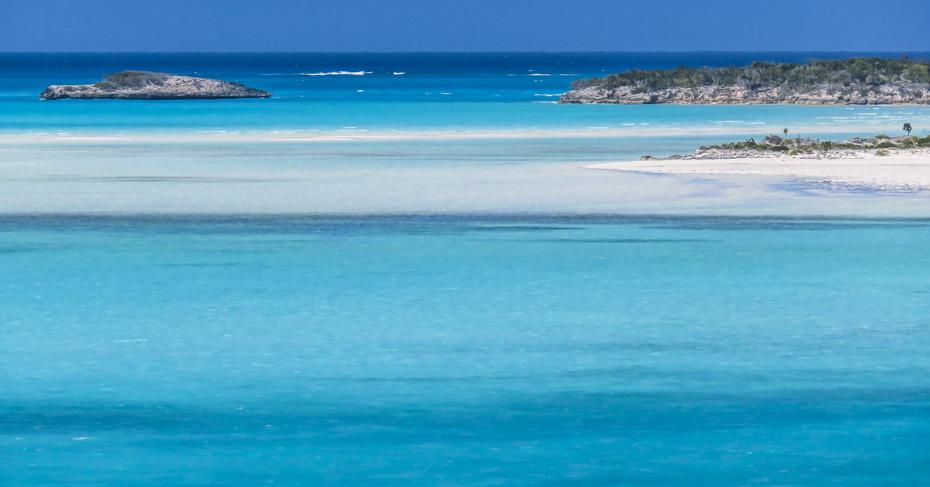 Beautiful turquoise waters surround the Exumas Bahamas. Visit Emerald Bay Bahamas and the Grand Isle Resort and Spa.