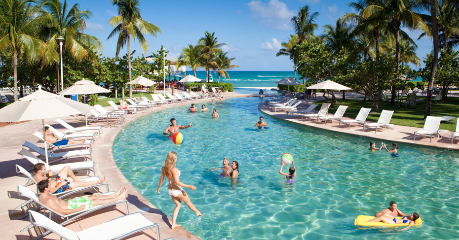 Things to do in Freeport Bahamas Grand Lucayan Hotel Freeport Grand Bahama. Travel to Freeport Bahamas with Bahamas air Tours on a Bahamas island hopping tour or private bahamas charter flights from Florida.