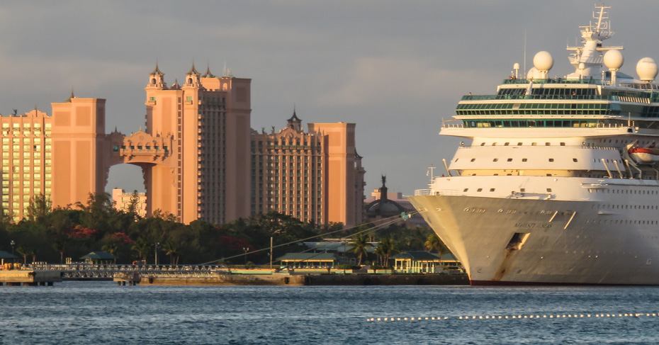 Things to do in Nassau Cruise Port, for all the best things to do in Nassau Bahamas for free get our Nassau destination guide. Take a walking tour Nassau Bahamas through the old town on the top Nassau city tour.