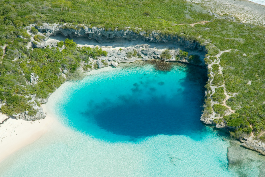 Dean's Blue Hole on Long Island: The World's 2nd deepest Blue Hole