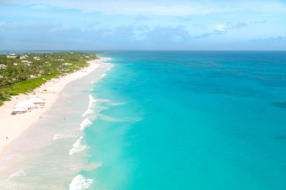 See the turquoise waters on a one day trip to Bahamas from Miami. Miami to bahamas swimming pigs on pig island a part of a day trip to Bahamas from Bahmas AIr tours an all inclusive one day cruise from Miami. The best Bahamas cruise Miami. A day cruise Miami you won't soon forget.