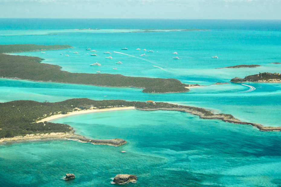 Exuma Cays Flights with Bahamas AIr Tours. Bahamas Day Trips from Nassau to the Swimming Pigs at Staniel Cay.