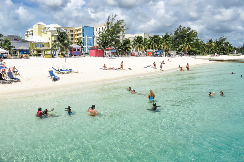 Best Beaches in Nassau: Junkanoo Beach Bahamas. Take a Bahamas Tour from Florida with Bahamas Air Tours. Things to do in Nassau cruise port. Visit Junkanoo Beach Nassau.