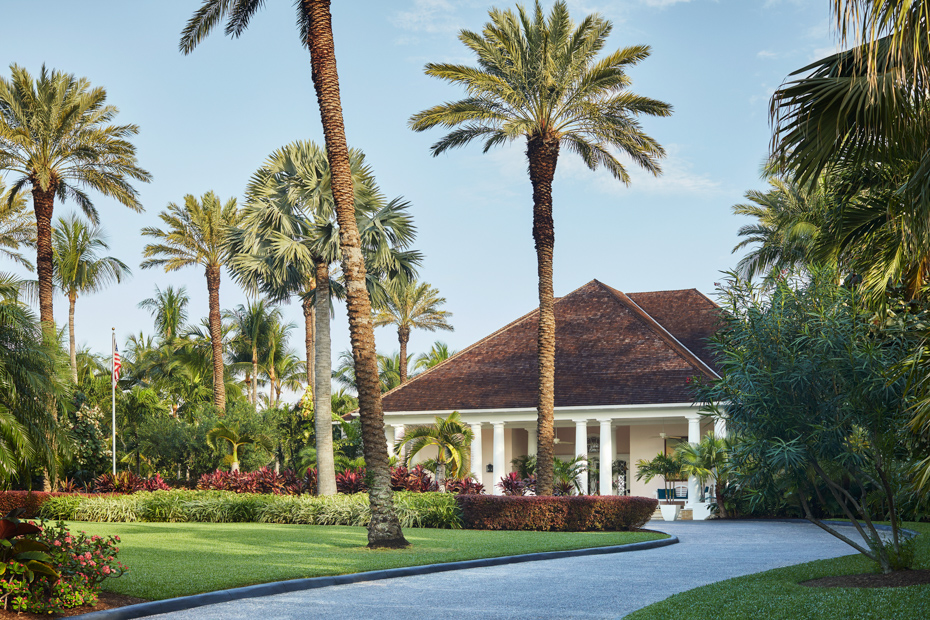 Best place to stay in Bahamas, Four Seasons Ocean Club Luxury Resort and some of the best hotels in Bahamas that you will experience.