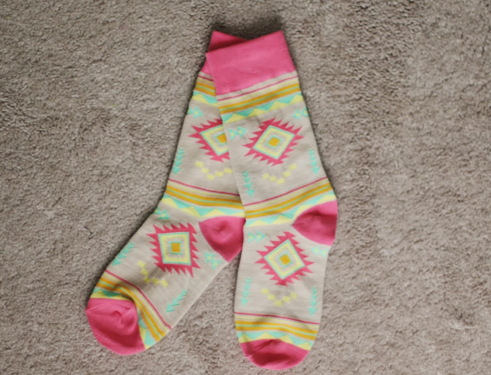 f36c6e399c Socks. Weird or not? I personally love Forever 21's socks because a lot of  the time they come in really cute patterns but lately I have noticed that  as they ...