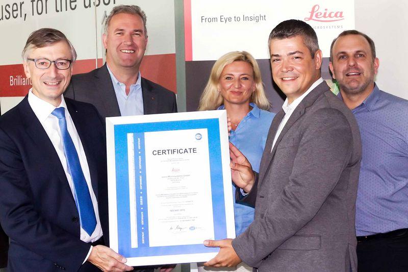 Leica Microsystems recibe la certificación de matriz global ISO de TÜV SÜD