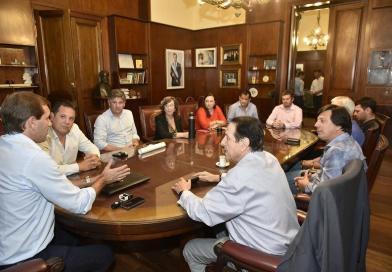 Garro acordó con los municipales un aumento del 15 por ciento