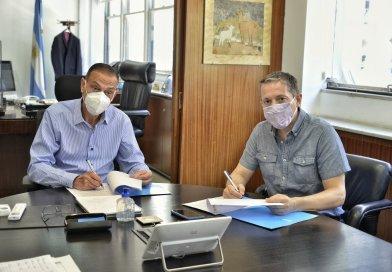 Gray y Arrieta, firmaron convenios para avanzar en obras viales
