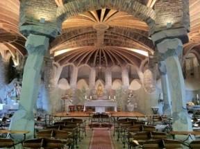interior-cripta-de-colonia