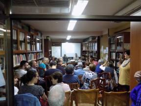 Presentación El vendedor de quimeras en la biblioteca de Caspe