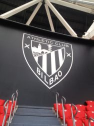 Escudo Athletic Club en dibón