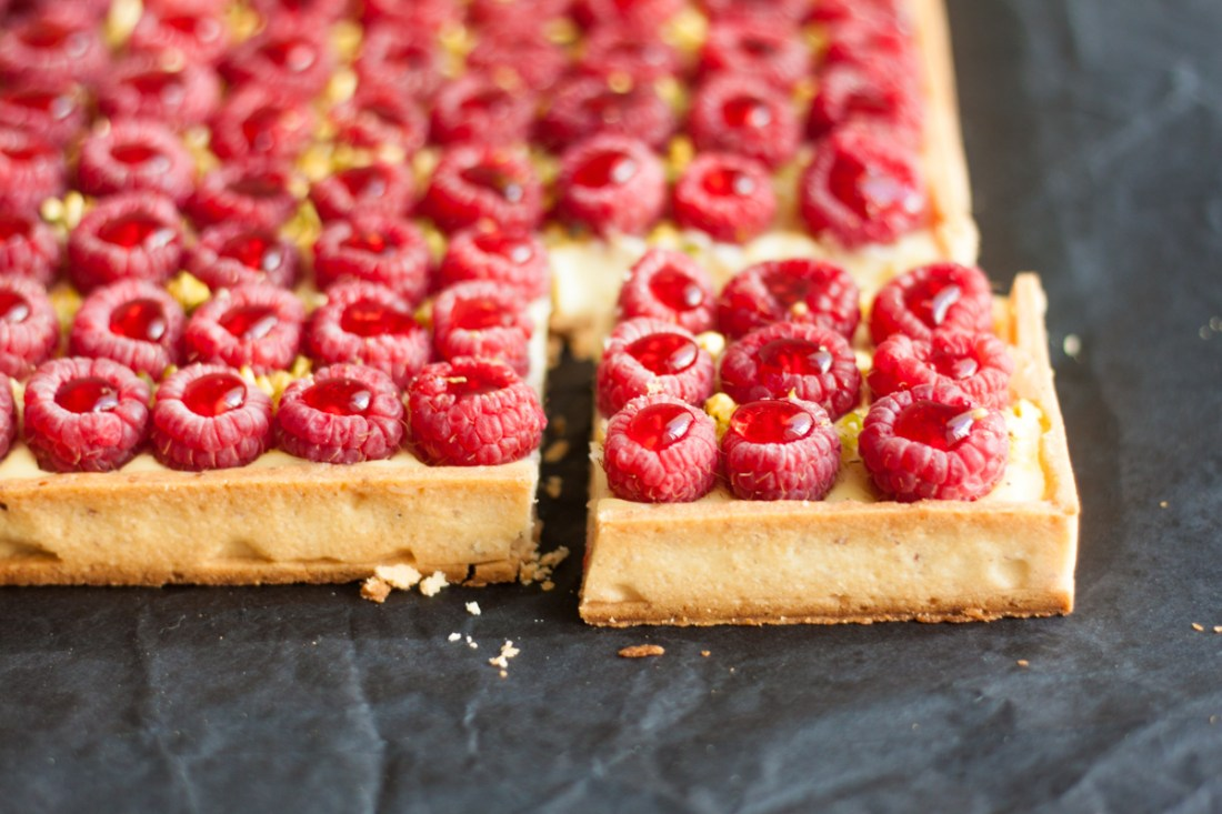 Coconut and raspberries tart