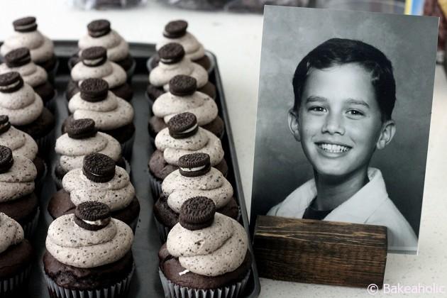 Cookies & Cream Cupcakes // bakeaholic.ca