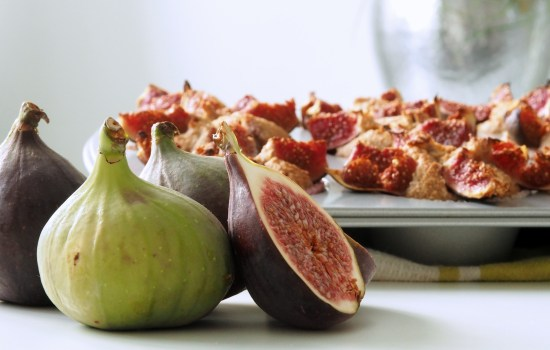 Welcome to bake and nourish … fig muffins