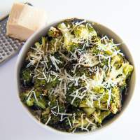 Easy Roasted Broccoli with Garlic and Parmesan is an easy side dish that brings out the best flavors of your broccoli!