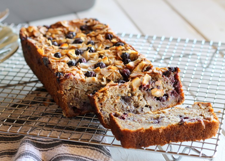 Toasted coconut blueberry banana bread gf low fat bakerita this toasted coconut blueberry banana bread boasts delicious flavors youd never know that forumfinder Images