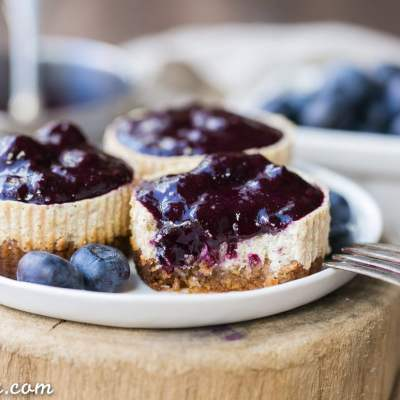 Vanilla Bean Greek Yogurt Cheesecakes with Blueberry Compote (Gluten Free + Refined Sugar Free)