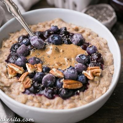 Blueberry Muffin Oatmeal (Gluten Free + Vegan)