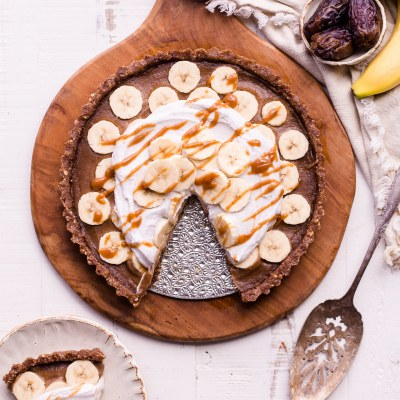 No Bake Banana Caramel Tart (Gluten Free, Paleo + Vegan)