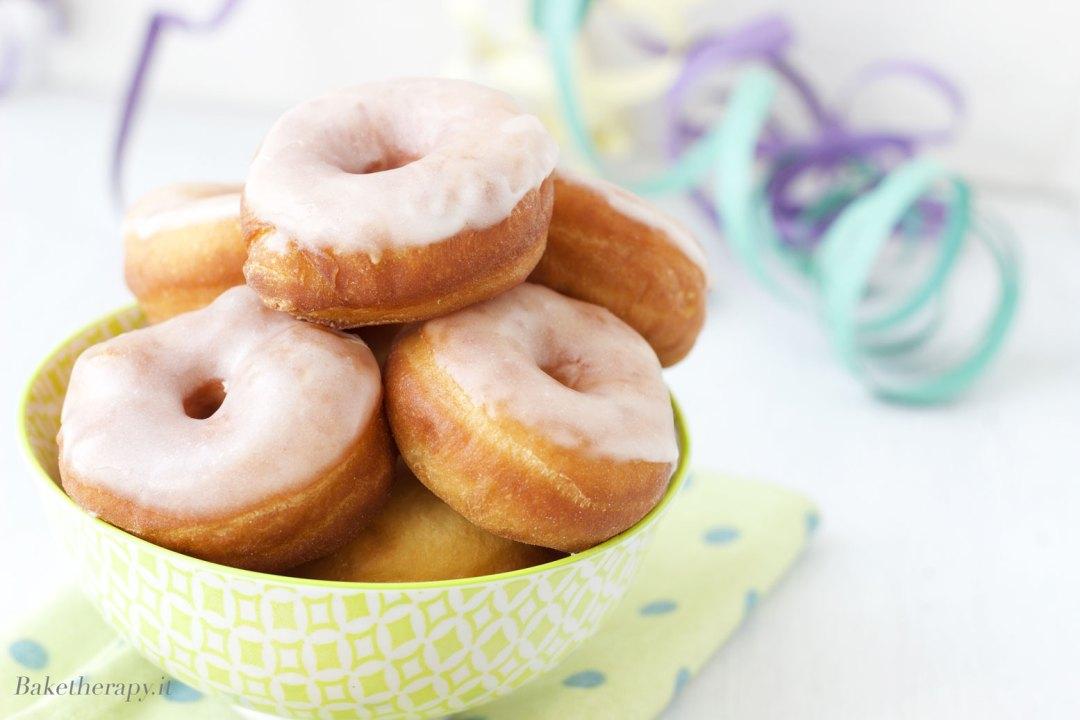 Mini donuts con glassa al limone