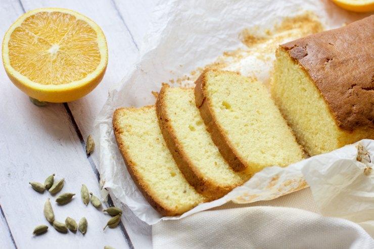 Plumcake all'arancia speziato