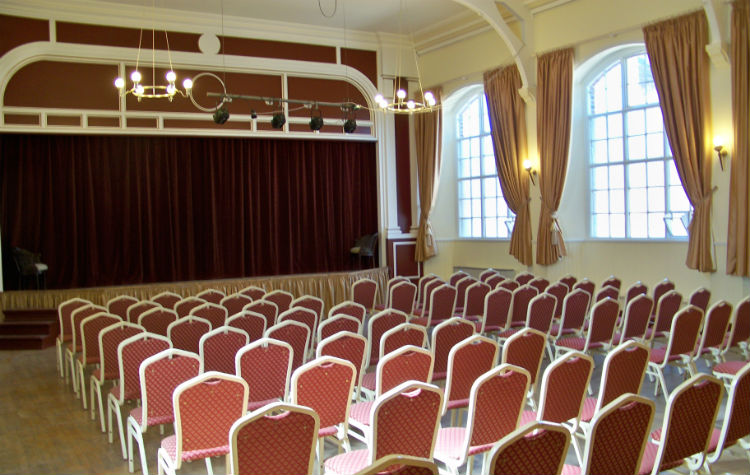 Assembly Room Theatre o