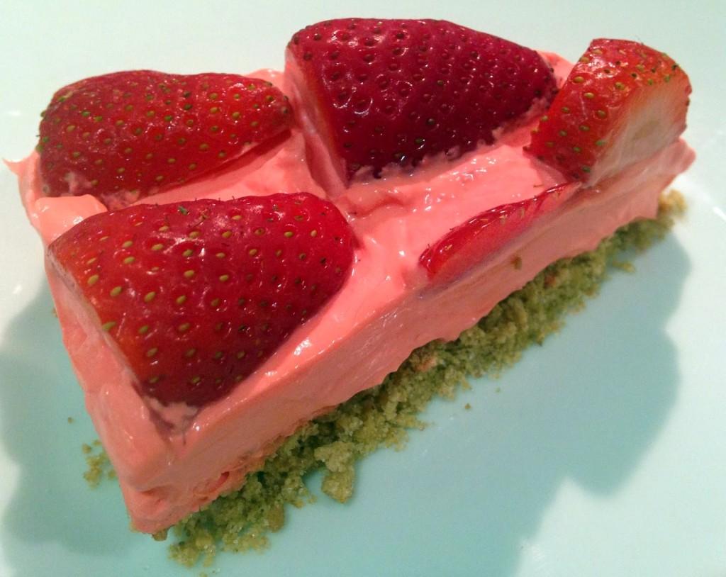 Simple Strawberry Cheesecake - BakingBar