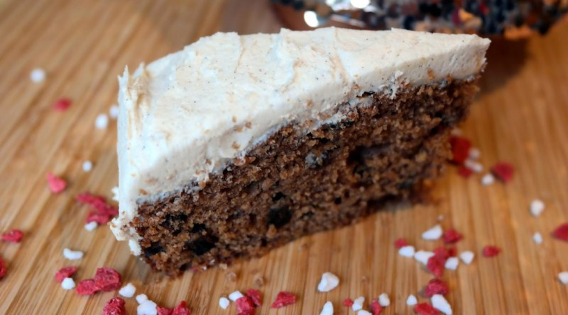 BakingBar's Simple Christmas Cake Recipe